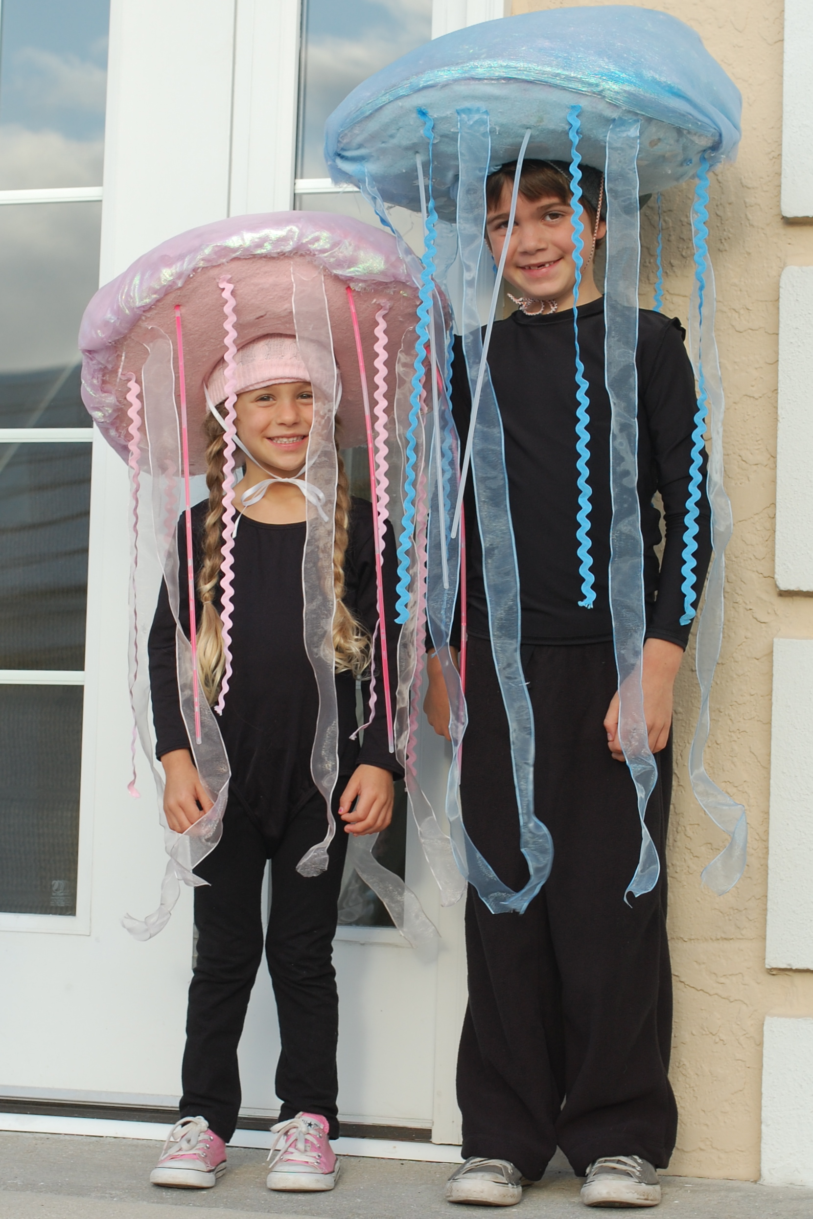 Glow in the dark jellyfish costume tutorial a small snippet dsc0184 solutioingenieria Choice Image